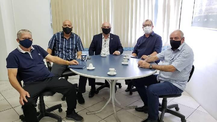 Balneário Arroio do Silva recebe visita do presidente do CREA-SC