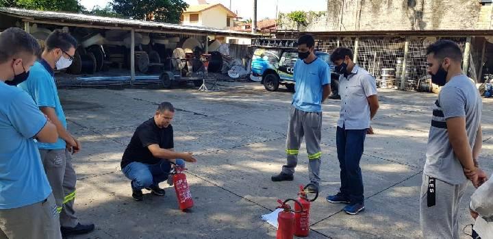 Cipa da Contato participa de treinamento de prevenção de incêndios