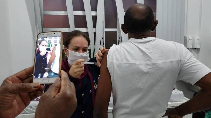 Covid 19: Vacinação continua para pessoas a partir de 50 anos em Balneário Arroio do Silva