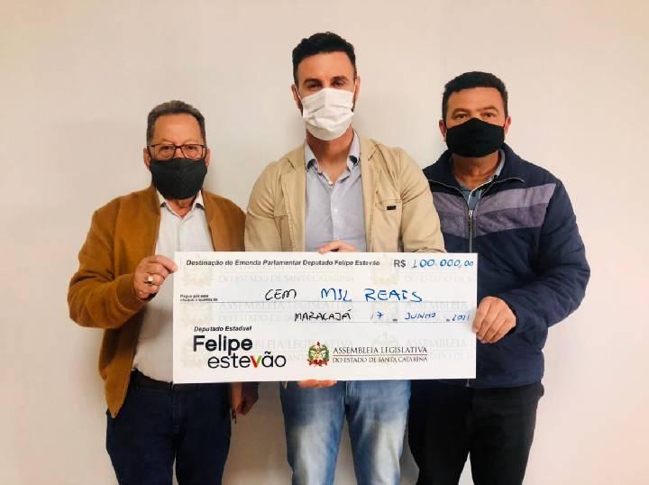 Deputado Felipe Estevão destina emenda de R$ 100 mil para Educação de Maracajá