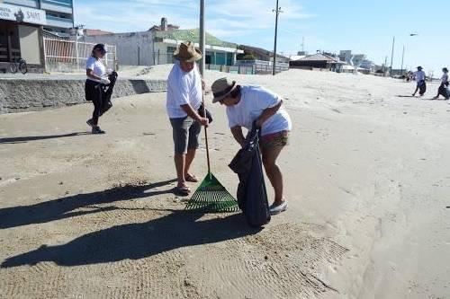 Sábado tem mutirão de limpeza na beira da praia
